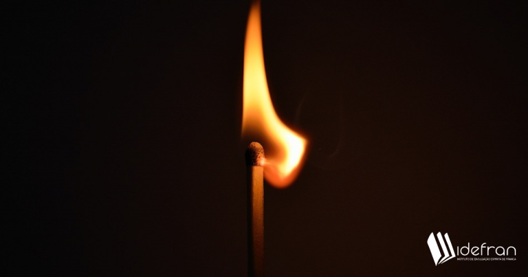Fogo eterno e Espíritos puros